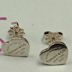 Tiffany Co RETURN TO TIFFANY heart earrings